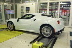 Visite des lignes d'assemblage de l'Alfa Romeo 4C