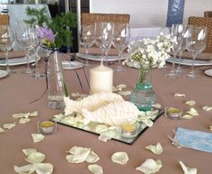 bodas mirando al mar: La fresca boda de Karina y Javier. Centros de mesa para boda. #boda #bodacivil #boda playa #bodaValencia