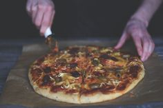 Wegańska pizza z oliwkami – Veganama Pepperoni, Pizza, Food, Essen, Meals, Yemek, Eten