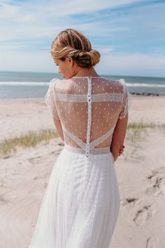 Robes de mariée - Adeline Bauwin - Collection 2018   Photographe : Adeline Bauwin   Donne-moi ta main - Blog mariage
