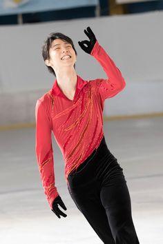男子フィギュアスケートの羽生結弦選手が出演するロッテ「ガーナミルクチョコレート」の新CMが20日、公開された。CMは男性デュオ「コブクロ」の「tOKi mek...
