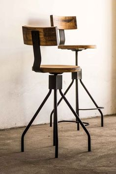 Best Modern Wrought Iron Chair Designs For Your Home Furniture Industrial Bar Stools, Industrial Furniture, Chair Design, Furniture Design, Restaurant Bar Stools, Rocking Chair Cushions, Swivel Chair, Wrought Iron Chairs, Chair Redo