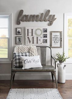 Are you confuse how to make farmhouse wall decor? Don't worry, our team will give some inspiration design farmhouse wall decor that you can choose. One of them must suit your style and taste. Home Living Room, Living Room Designs, Living Room Decor Cozy, Living Room Decorating Ideas, Home Decorating, Decorating Games, Apartment Living, Casas Country, Décor Antique