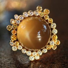 Stunning Vintage Ultra-rare Star Chrysoberyl and Fancy Diamond Ring in 18k Gold, which once belonged to Opera Singer Montserrat Caballé