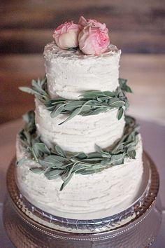 Elegant and rustic wedding cake.
