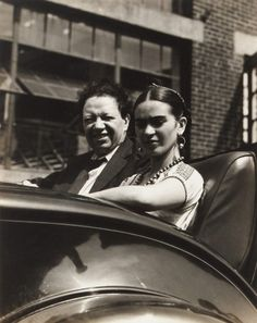 Frida Kahlo and Diego Rivera Photo Nickolas Muray - 1938 Frida E Diego, Diego Rivera Frida Kahlo, Frida Art, Dr Marcus, Famous Mexican, Mexican Artists, Mexico City, Divas, Marie