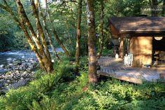 *sigh* A cabin on a river in Oregon? Secluded Cabin on the River in Brightwood Cabins And Cottages, Log Cabins, River Cabins, Design Rustique, Secluded Cabin, Farm Plans, Forest Cabin, Loft, Cozy Cabin