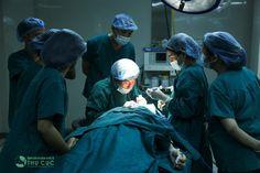 Ở đâu cắt mắt 2 mí uy tín. Có điều em vẫn băn khoăn không biết bấm mí Hàn Quốc đau không và chăm sóc sau phẫu thuật cần chú ý những gì? Mong bác sĩ Thu Cúc cho em lời khuyên. http://bammithammy.com/tu-van/bam-mi-han-quoc-dau-khong.html  cắt mắt 2 mí http://bammithammy.com/cat-mi-mat Bấm mí hàn quốc dove eyes http://bammithammy.com/tu-van/bam-mi-han-quoc-dove-eyes.html