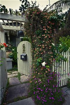 Cottage Fence Gates and Fencing Landscaping Network Calimesa, CA - Modern