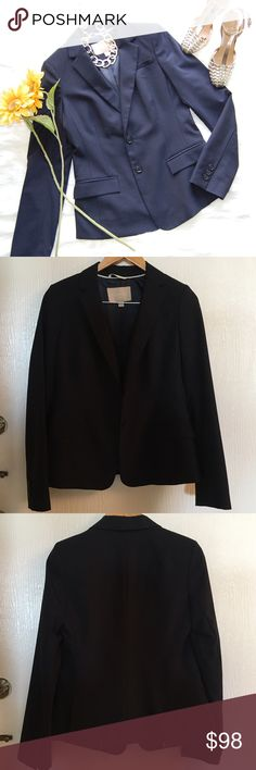 BANANA REPUBLIC Blazer Like new and barely worn. Navy blazer with two button closure and two front pockets. Has stretch. Shell is wool/spandex blend, lining is 100% polyester. MATCHING PANTS IN OTHER LISTING.   Blog: bringingupsuns.com Instagram: @bringingupsuns Banana Republic Jackets & Coats Blazers