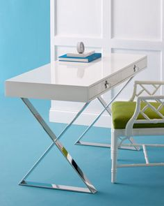 Desk for the office - minimal design and no clutter!