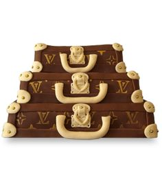 Louis Vuitton cake- stacked trunks