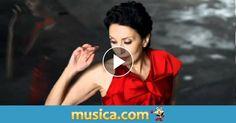 Vídeo musical 'Piensa en mí' de Luz Casal.