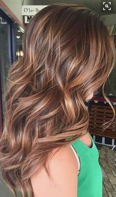 New hair color auburn caramel low lights Ideas Trending Fall Hair Color Ideas Hair Color 2016, Hair Color And Cut, Hair 2016, Best Hair Color, Hair Color For Brown Eyes, Beautiful Hair Color, Spring Hairstyles, Cool Hairstyles, Wavy Haircuts
