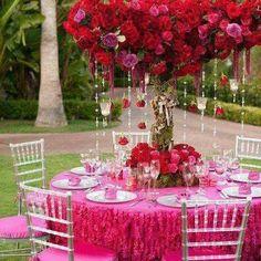 A perfect Table scape for Valentines'Day!!! Bebe'!!! So pretty!!!