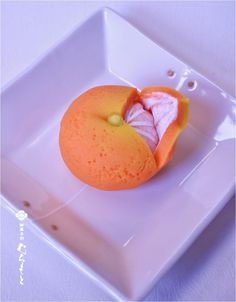 """Japanese Sweets """"wagashi"""" this is a sweet made to look like a mikan (a type of orange)! Wagashi is mostly made from natural ingredients & no preservatives or chemical colouring. Japanese Sweets, Japanese Wagashi, Japanese Cake, Japanese Pics, Japanese Pastries, Japanese Food Art, Wagashi Japonais, Bento, Desserts Japonais"""