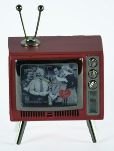I Love Lucy Retro TV Alarm Clock | LucyStore.com come visit us @ FANCLUBLUCYBALLFANRICARDO@ FACEBOOK.COM
