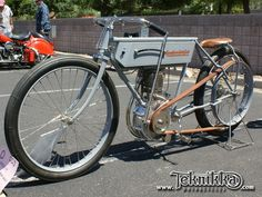 http://www.teknikka.com/stored_private/events/1908_Excelsior_Board_Track_Racer_3.jpg