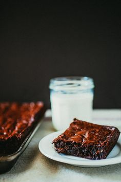 These are, hands down, the best damn brownies I have ever made or eaten. This recipe makes enough thick, chewy brownies for a large crowd. Brownie Recipes, Cookie Recipes, Baking Recipes, Köstliche Desserts, Delicious Desserts, Dessert Recipes, Best Ina Garten Recipes, Chewy Brownies, Chocolate Brownies