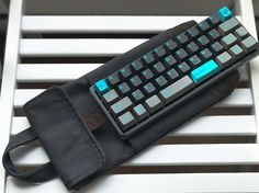 mechmini + GMK Ocean Dolch + Modern Coup keyboard sleeve / carry case Gaming Room Setup, Computer Setup, Pc Setup, Office Setup, Desk Setup, Keyboard Keys, Mini Keyboard, Computer Keyboard, Diy Mechanical Keyboard