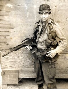 31b4adc0 Montagnard man from North Vietnam who was part of a MACV-SOG team. Vietnam