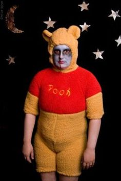 Oh Pooh . the cartoon version is fatter, yet more cute. Funny Family Photos, Funny Pictures, Hump Day Images, Winnie The Pooh, Scary, Creepy, Awkward Family Photos, Bad Photos, Christopher Robin