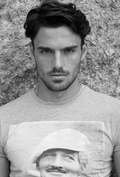 Ideas haircut hombre interesting faces for 2019 Medium Length Hair Men, Medium Hair Cuts, Medium Hair Styles, Long Hair Styles, Trendy Haircuts, Haircuts For Men, All Hairstyles, Men's Grooming, Hair And Beard Styles