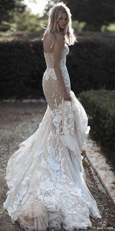 Wedding Dresses by Idan Cohen 2017 Bridal Collection. How stunning is the dress. Gorgeous Wedding Dress, Dream Wedding Dresses, Bridal Dresses, Wedding Gowns, Lace Wedding, Wedding Hijab, Bridesmaid Gowns, Crystal Wedding, Dresses Elegant