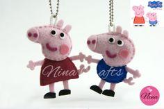 Chaveiro em feltro dos personagens do desenho Peppa Pig. Incluso corrente bolinha, embalagem básica (celofane, tag tipo lapela e fechada com grampo).