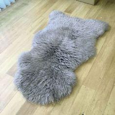 Light Grey Sheepskin Rug (Single)