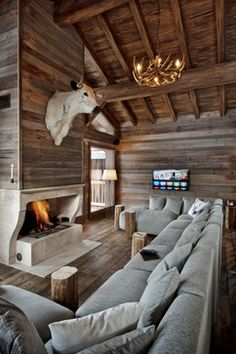 15 Warm Rustic Family Room Designs For The Winter - Interior Design Cabin Interior Design, Chalet Interior, Chalet Design, Interior Walls, Interior Designing, Interior Ideas, Interior Inspiration, Best Modern House Design, Modern Design
