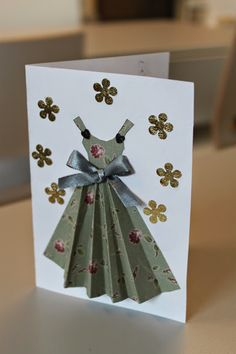 Mekot korteissa... Hobbies And Crafts, Diy And Crafts, Scrapbook, Diy Paper, Paper Crafts, Metal Bending Tools, Paper Fashion, 3d Cards, Spring Crafts