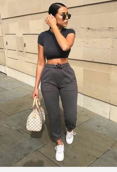 42 Stylish Casual Winter Outfits in 2020 - Sporty Outfits ❤ Chill Outfits, Sporty Outfits, Cute Casual Outfits, Mode Outfits, Spring Outfits, Winter Outfits, Fashion Outfits, Fashion Trends, August Outfits