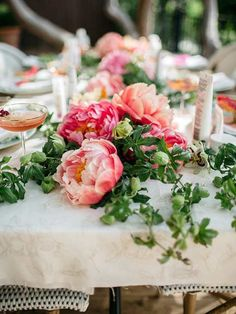 If you're like us, then the peony is one of your favorite garden flowers. Peonies are stunning as wedding flowers, in a vase, or growing in the garden. Here is how to incorporate peonies into centerpieces and bouquets with ease. #gardningflowers