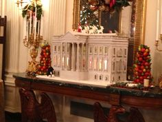 The famous Valk Chuah White House gingerbread house designed by Bill Yosses, Executive Pastry Chef. Gingerbread House Designs, Gingerbread Houses, Holiday Cards, Holiday Decor, Vintage Ornaments, Pastry Chef, Vintage Holiday, Nifty, Washington Dc