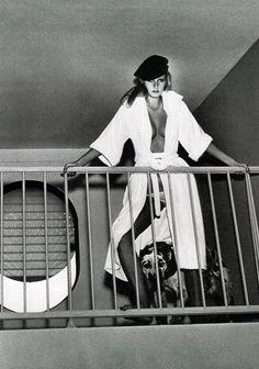 Model Patti Hansen Vogue paris 1975 · Helmut Newton