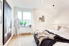 Um apartamento com decoração escandinava e visual clean: https://www.casadevalentina.com.br/blog/ESTILO%20DE%20SOBRA%20NO%20AP%C3%8A%20CLEAN ----------------------------------  An apartment with Scandinavian decoration and clean visual: https://www.casadevalentina.com.br/blog/ESTILO%20DE%20SOBRA%20NO%20AP%C3%8A%20CLEAN
