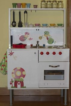 DIY - Play Kitchen -- I like this width! Room for Tea Set on the left.
