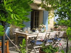 La Mirabelle, an 18th century built farm, is a peaceful rural retreat amidst typical Provençale countryside, surrounded by vineyards.