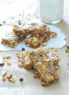 Peanut Butter Breakfast Bars - So good with a cup of coffee or glass of almond milk! (Low Carb, No Sugar Added)maybe add sugar free chocolate chips. Peanut Butter Breakfast, Low Carb Peanut Butter, Breakfast Bars, Low Carb Breakfast, Breakfast Recipes, Recipes Dinner, Cocktail Recipes, Low Carb Bars, Low Carb Diet
