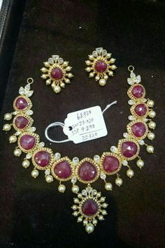Ruby Jewelry, India Jewelry, Gold Jewelry, Beaded Jewelry, Jewelry Necklaces, Bracelets, Bold Necklace, Latest Jewellery, Jewelry Design