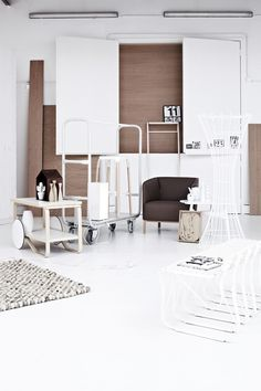Leaning planks as a styling trend? - emmas designblogg