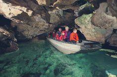 Das Ausflugsziel auf der Schwäbischen Alb - das Naturerlebnis Wimsener Höhle. Die befahrbare Wasserhöhle mit Bio-Gasthaus für die ganze Familie.