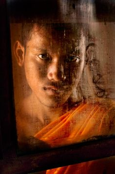 Thailand/ Photography by Steve McCurry / Here you can download Steve's FREE PDF Catalog and order PRINTS /stevemccurry.com/...