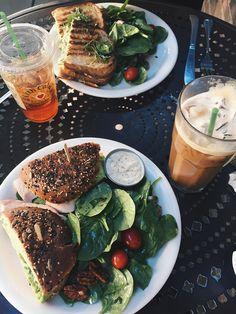 pinterest: mollydrinkward instagram: molly.annne