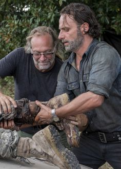 """ Andrew Lincoln and Greg Nicotero behind the scenes of The Walking Dead Season 7 Episode 12 