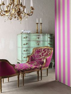 South Shore Decorating Blog:  Don't Normally like pink but paired with turquoise it looks really good.