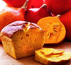 Es ist wieder da: Lecker Kürbisbrot! Back again: our naturally mega-soft Pumpkin-bread!