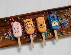 Paletas Chocolate, Chocolate Treats, Cakepops, Magnum Paleta, Popsicle Art, Ice Cream Smoothie, Disney Cookies, Friends Cake, Valentine Cake