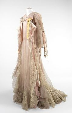 Clothes In Books: Dress Down Sunday: The Shuttle by Frances Hodgson Burnett